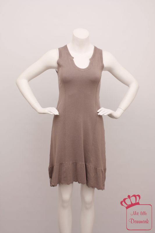 Erstes Bild der Rundumansicht für das Produkt Visc Knit Sleeveless Dress 1310213 ärmelloses Klei