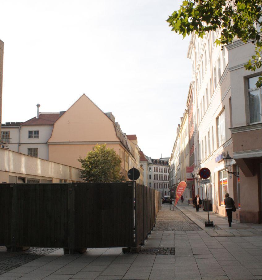 Die Bauarbeiten an der Hauptstraße 5-7 tangieren den Obergraben. Begehbar bleibt der Obergraben trotzdem.