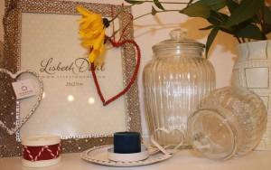 Accessoires von Ib-Laursen und Lisbeth Dahl - Gerillte Glaskrüge, Kerzenhalter mit Stumpfgriff, Trommel-Kerzenhalter, Herz zum Anhängen, Bilderrahmen mit Verzierungen