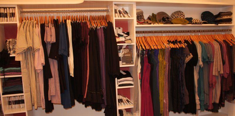Im rechten Bereich der neuen Ladenfläche befinden sich vor allem Kleider von Noa-Noa, Staff und Container.