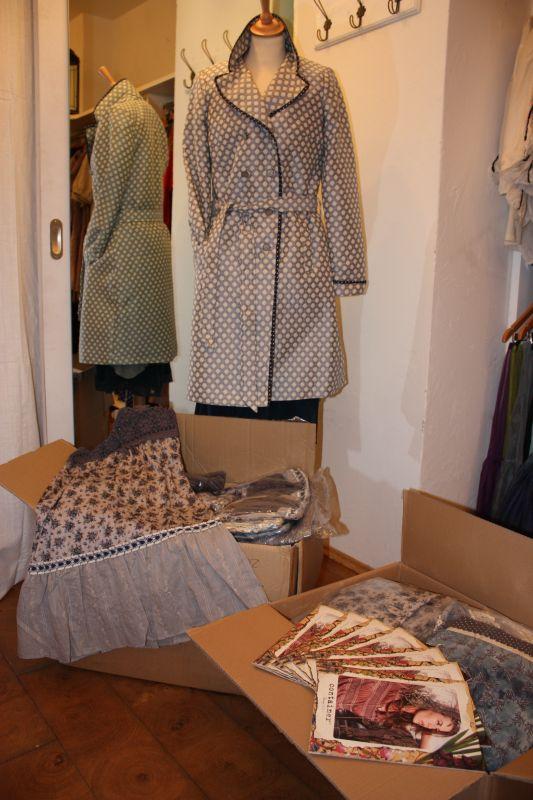 Die Frühlingskollektion von Container kam Anfang Februar 2011 in mehreren Kisten an.