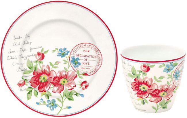 """Das Greengate Design """"Pernilla"""" zeigt große fette Blumen zu ihrer besten Zeit."""