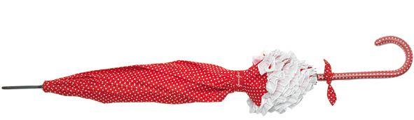Der weiß gepunktete rote Regenschirm von Greengate ist ein Hingucker im Frühling und Sommer 2012.