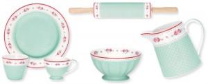 """Teller, Teetasse, Becher, Schüssel, Kanne und Nudelholz gibt es im Design """"Sandy Mint"""" aus der Herbst- Winter-Kollektion 2012 von Greengate."""