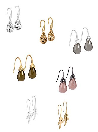 Links oben: Champagne earrings worn Rhodium (v101); Oben mitte: Champagne earrings worn gold (v102); Rechts oben: Fall earrings worn silver (v221); Mitte links: Fall earrings worn gold (v228); Mitte rechts: Fall earrings worn hematite (v229); Unten links: Leaf earrings worn Rhodium (v471); Unten rechts: Leaf earrings worn gold (v472)