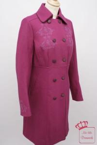 """Der Mantel """"Wool Coat"""" (1-1184-1) aus der Kollektion Herbst 2012 ist in der Farbe light-burgundy erhältlich. Der Originalpreis: 239,95€."""