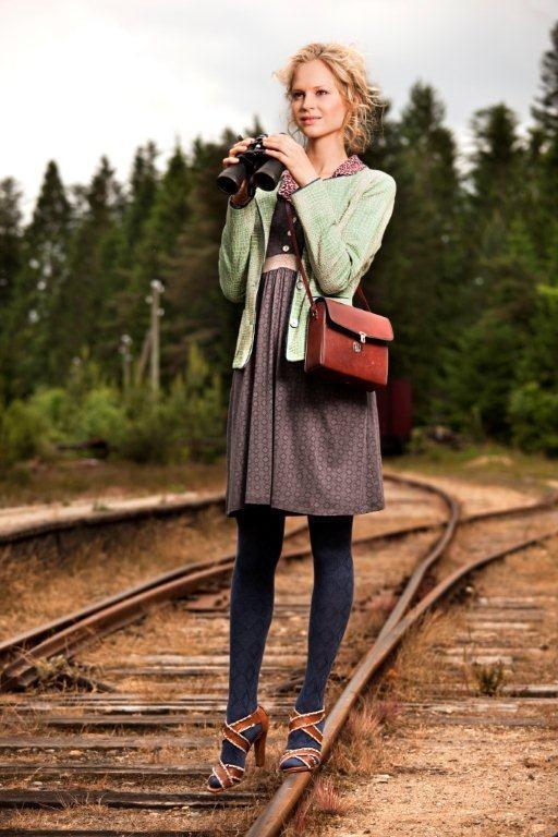 Kleid, Strickjacke und Strumpfhose aus Spring 2013 von Container