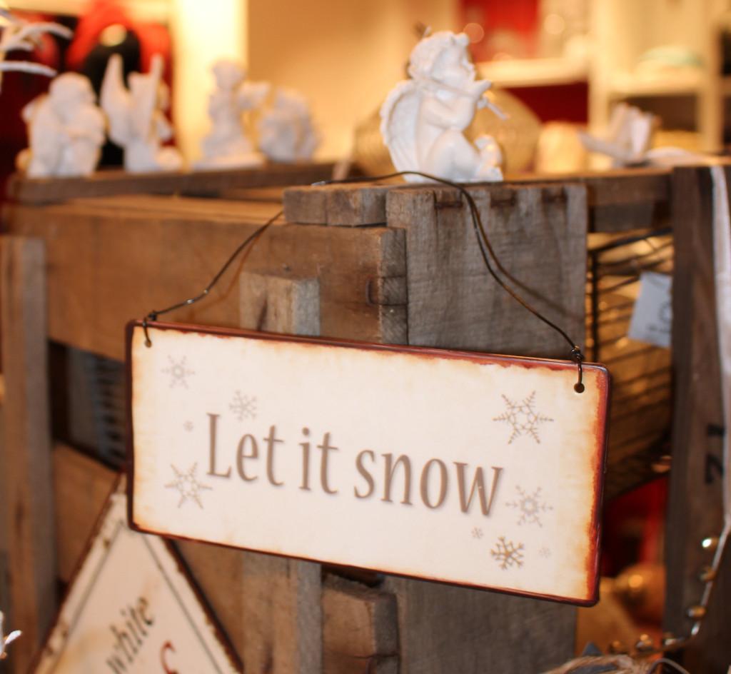 """Schild """"Let it snow"""" von Ib Laursen und Engel von Chic Antique"""