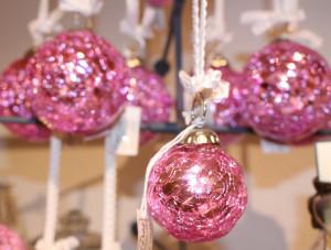 Rosa Weihnachtsbaumkugeln von Lisbeth Dahl
