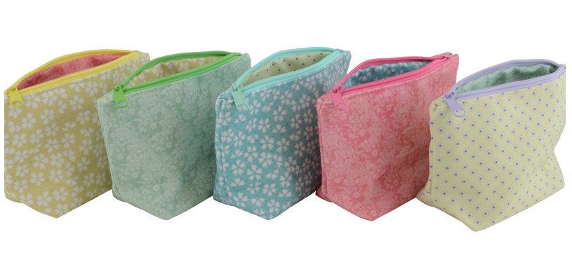 Einfache farbenfrohe Kosmetiktaschen von Ib Laursen 3838-99