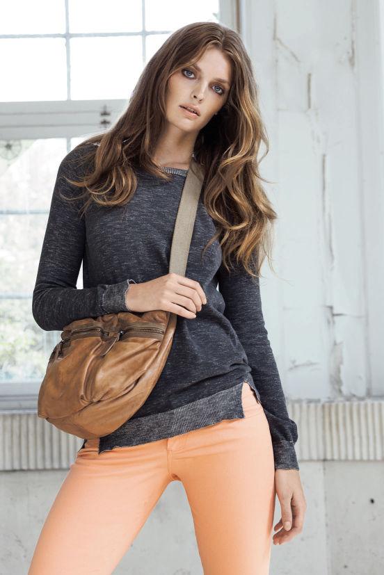 Januar - Outfit 1 - Bluse, Hose und Tasche (Quelle: noanoa.com)