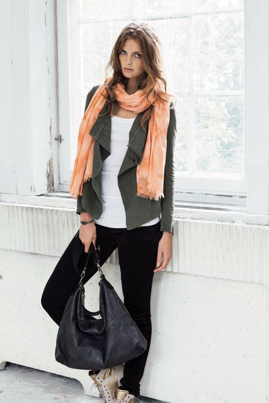 Januar - Outfit 5 - Top, Jacket, Hose, Tuch, Kette und Tasche (Quelle: noanoa.com)