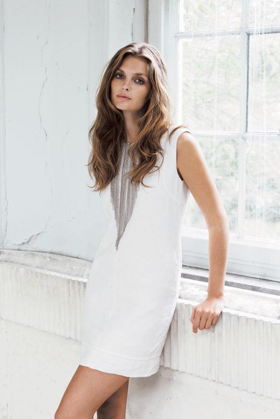 März - Outfit 2 - Kleid, Kette (Quelle: noanoa.com)