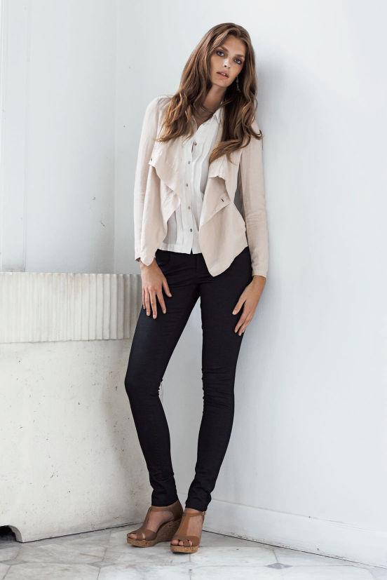 März - Outfit 6 - Jacket, Shirt, Hose, Schuh (Quelle: noanoa.com)