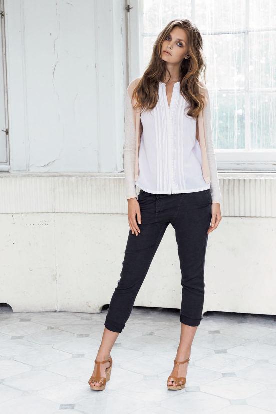 März - Outfit 7 - Cardigan, Shirt, Hose, Schuh (Quelle: noanoa.com)