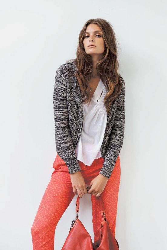März - Outfit 10 -Cardigan, Top, Hose, Tasche (Quelle: noanoa.com)