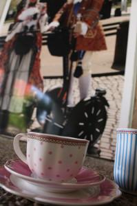 Woche 2 - Bild 5: Kaffeetasse und Kaffeebecher von Lisbeth Dahl