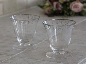 Glas mit Silberranke