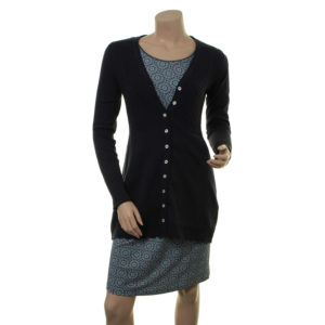 Outfit: Lange Strickjacke Rebekka (18-081) mit Kleid Manon (18-035)